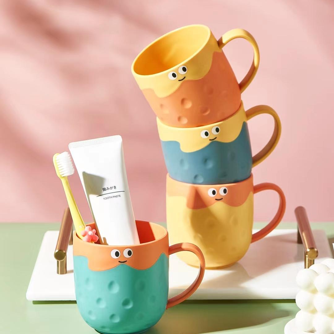 M04-2223草莓卡通儿童刷牙杯子洗漱杯儿童环保抗菌杯子创意牙缸