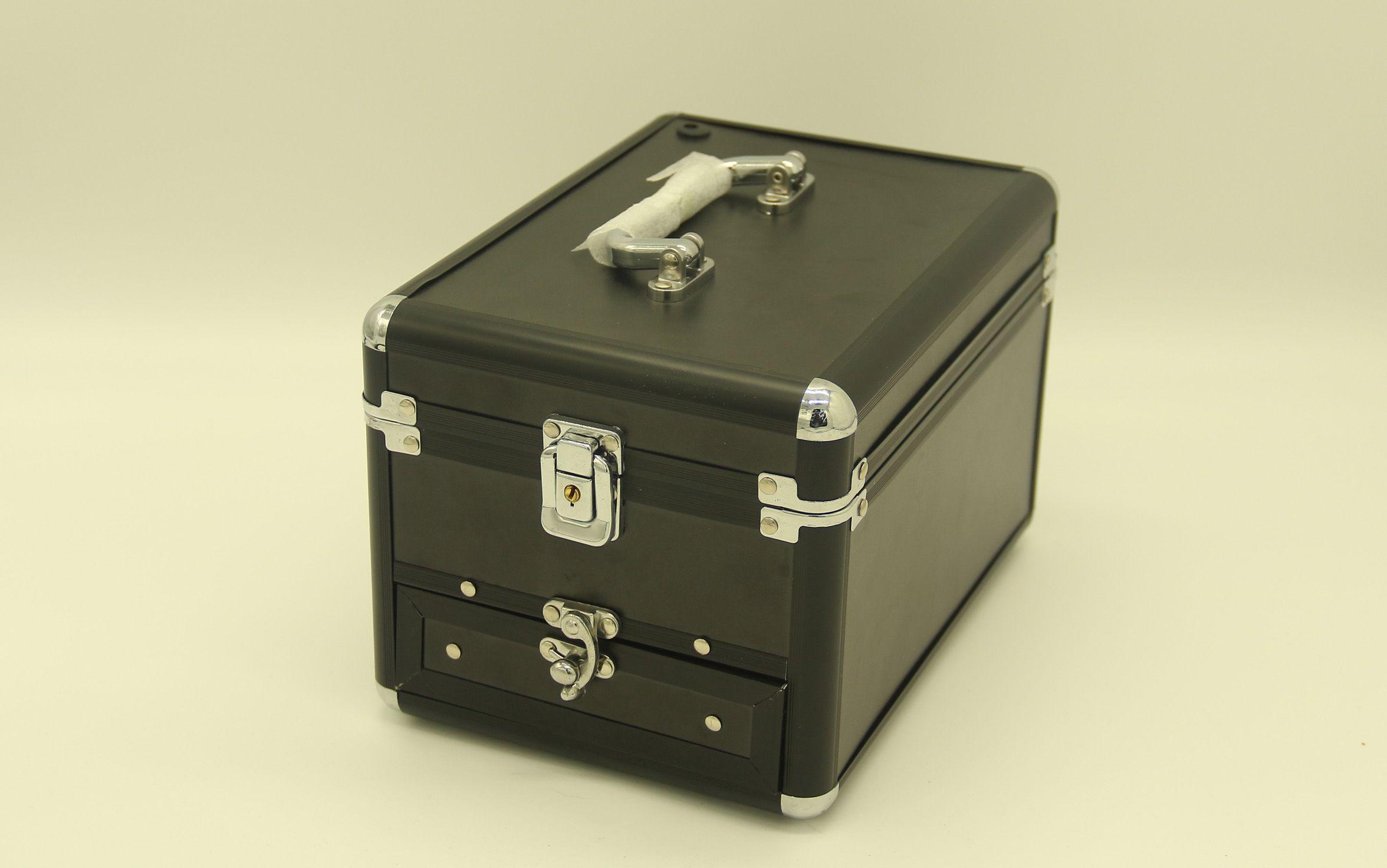 2020新品专业化妆箱收纳大容量多功能手提铝箱工具箱可定制1716