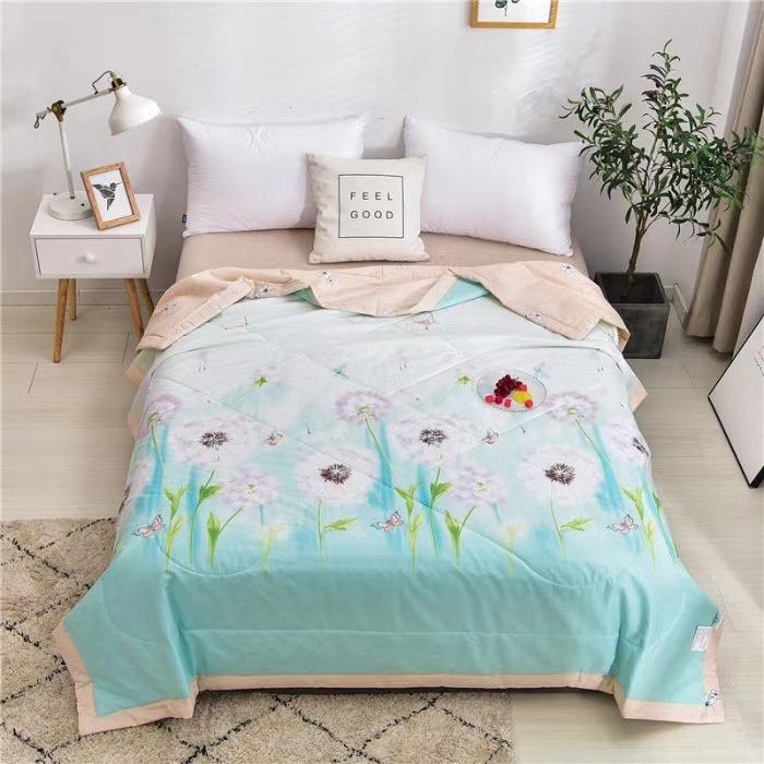 ☘️20年春夏新品☘️ 🍓全棉宽幅夏凉被 🍭尺寸,200×230 🍭面料:100%棉, 🍭填充:羽丝棉。。