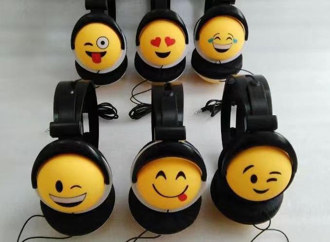 笑脸大耳机