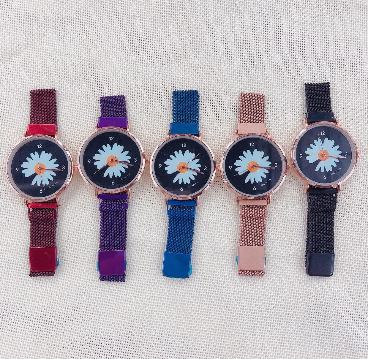 网红款小雏菊懒人磁吸表带女士手表 小雏菊学生手表