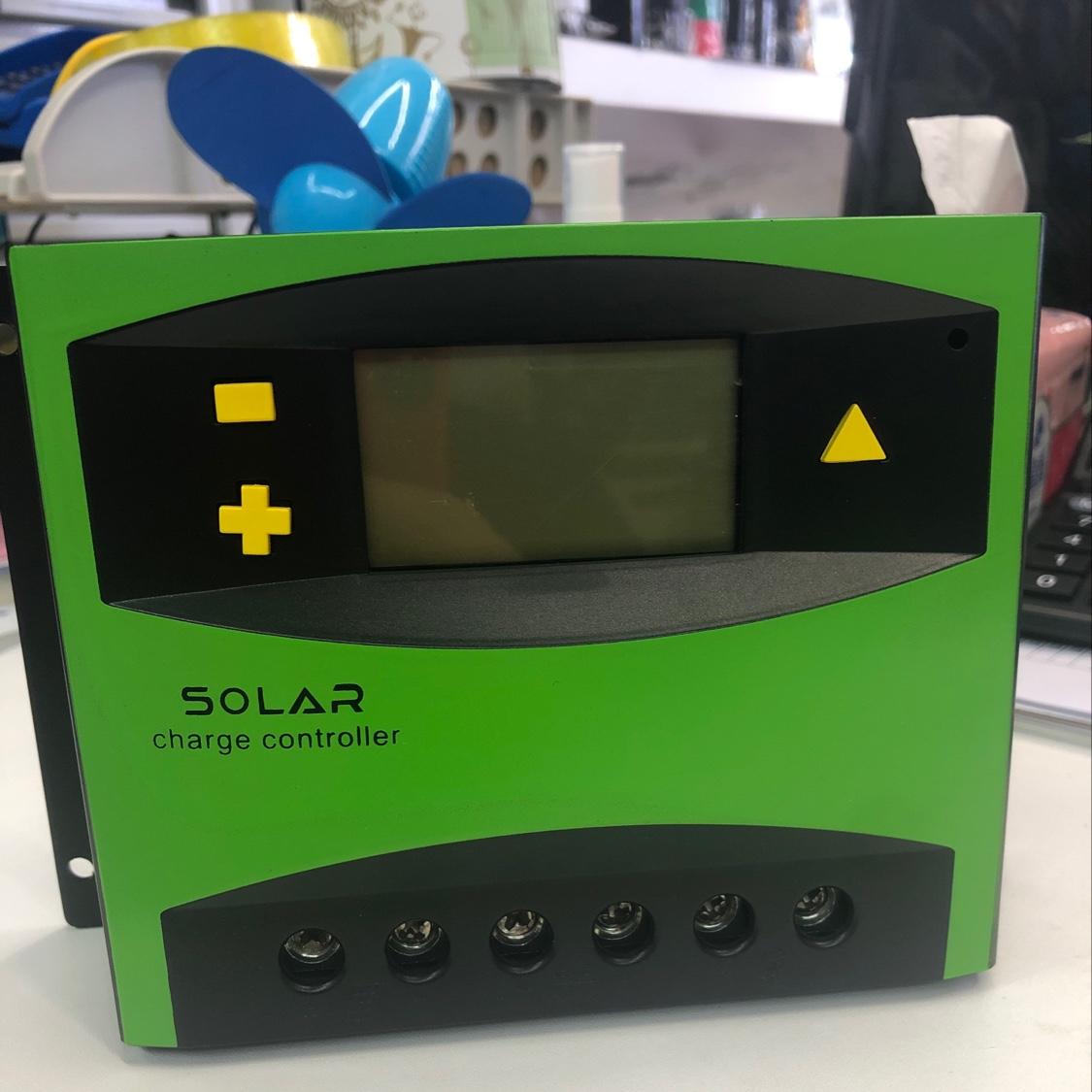 太阳能控制器50A
