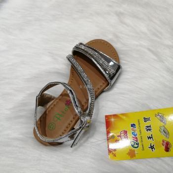 现货银色带水钻鞋底柔软舒适儿童女孩凉鞋