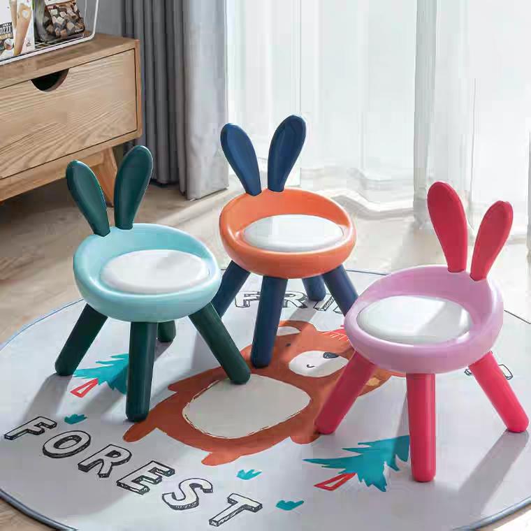 加厚板凳儿童椅子幼儿园靠背椅宝宝塑料小椅子家用小凳子防滑软垫带音乐