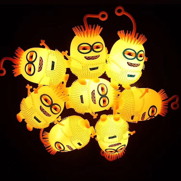 义乌宏彦玩具批发儿童发光小黄人幼婴儿园小礼品赠送学校夜市地摊景点热卖