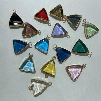 铜镶水晶玻璃玻璃三角形,K9玻璃,施华洛水晶,白蛋白系列。天气石系列,水晶玻璃系列。佳兴