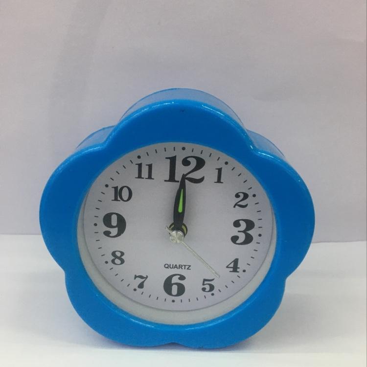 学生 简约塑料台钟 迷你床头梅花形小闹钟