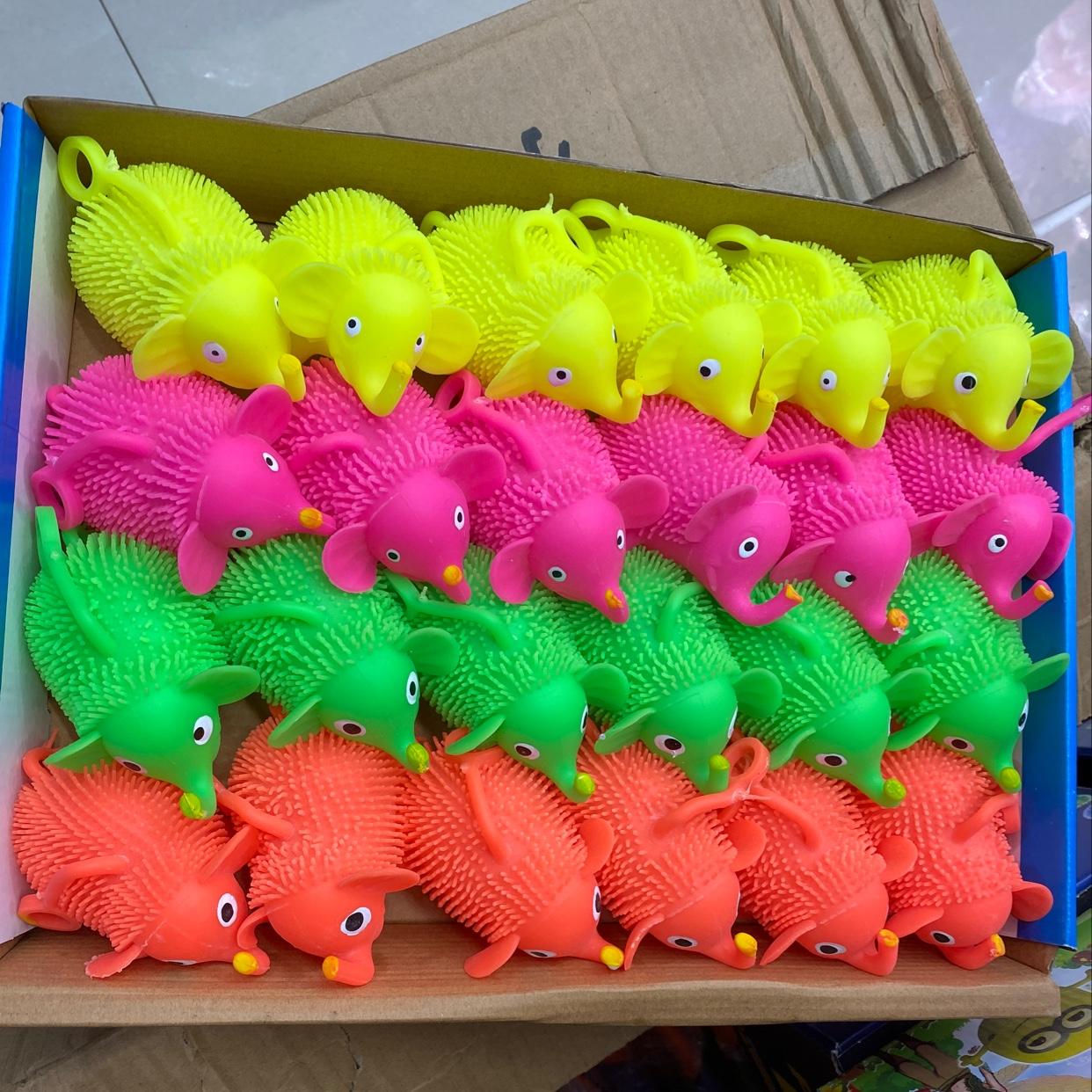 艳灿玩具发光软动物一件576个