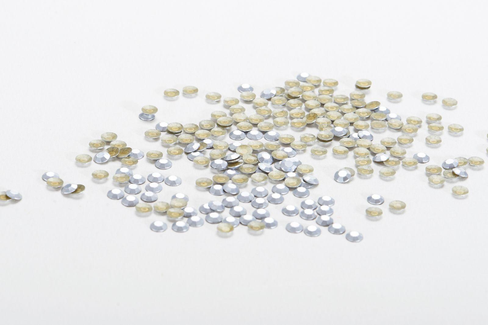 2mm银色环保仿进口足罗八角片铝片烫图烫钻服装辅料