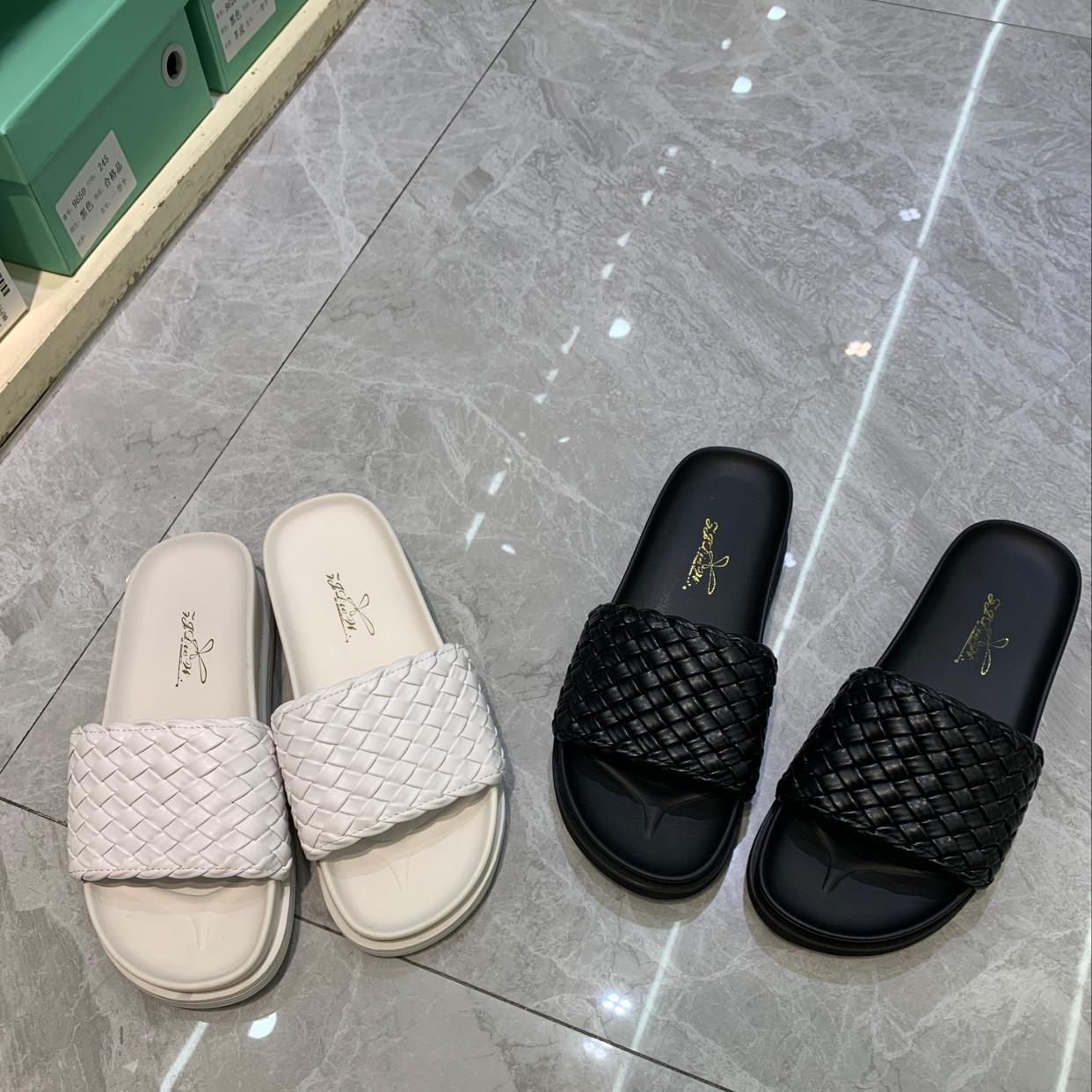 2020 年夏款编织牛皮平底防滑耐磨橡胶大底拖鞋