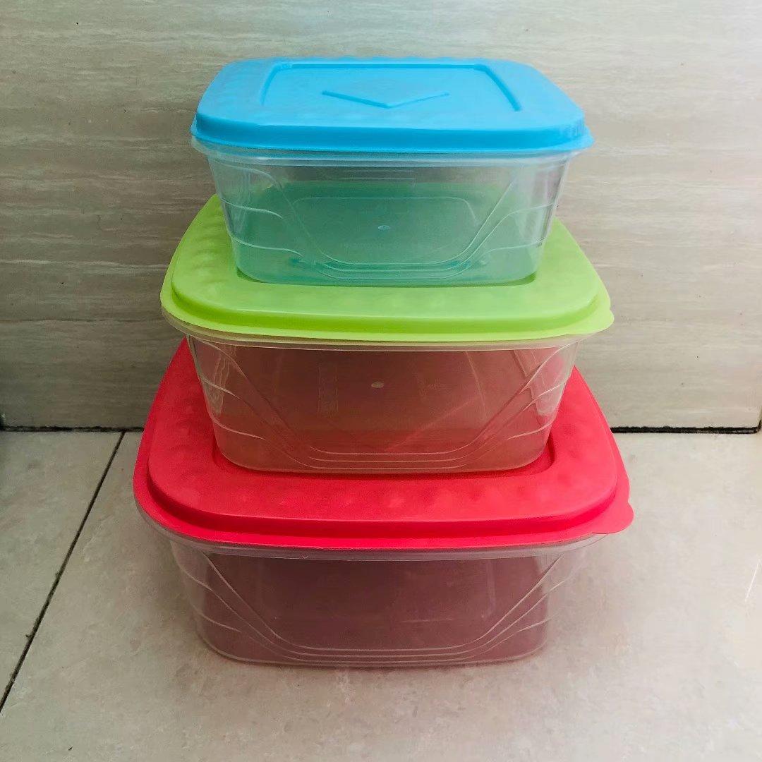 121-8021正方形彩色盖子可叠装三件套保鲜盒