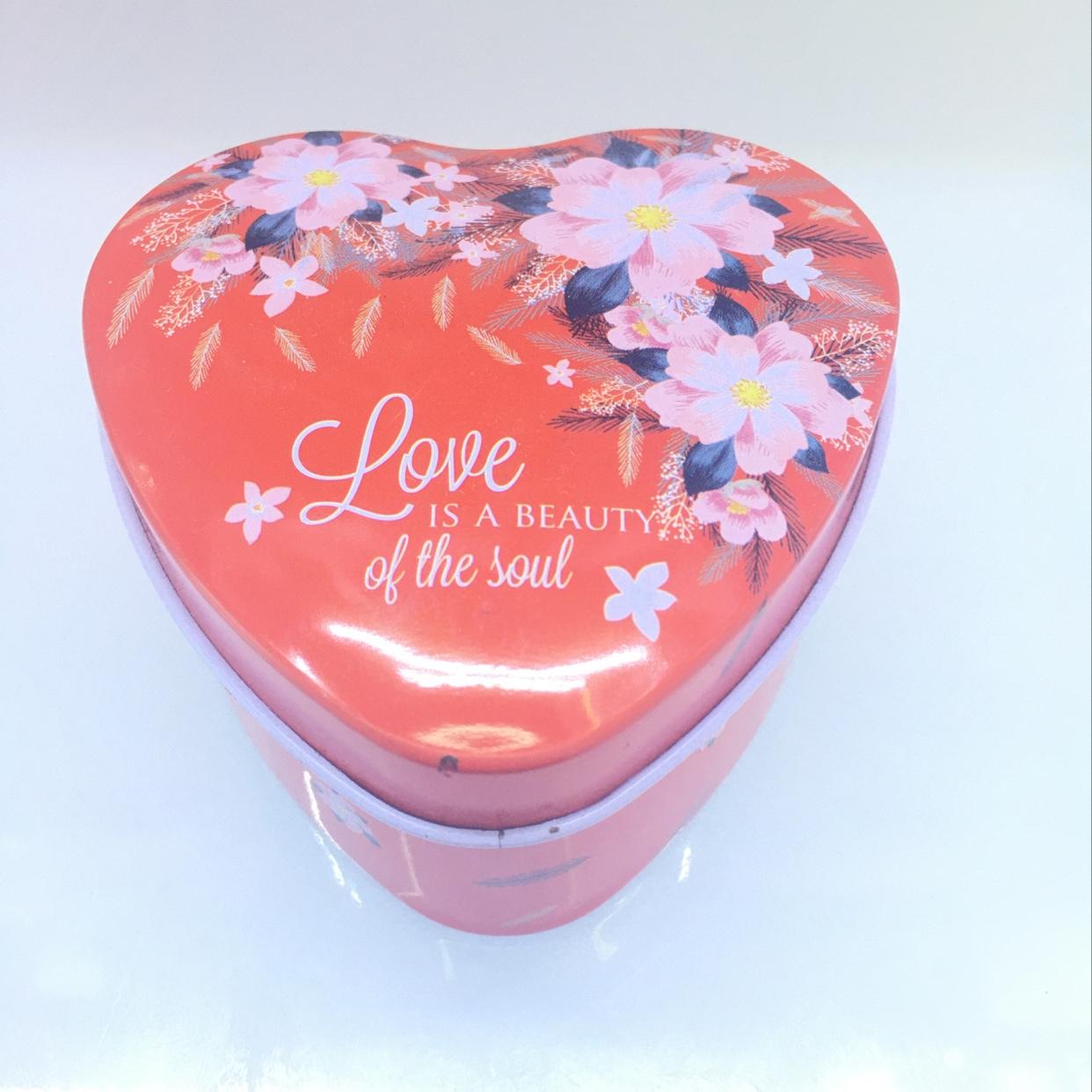 7.5*7.5*3.5cm  爱心形精美礼品铁盒 婚庆 礼物佳品x-16