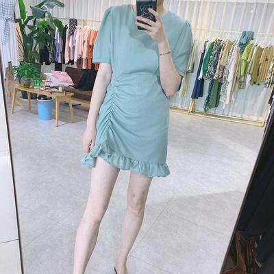 花边连衣裙