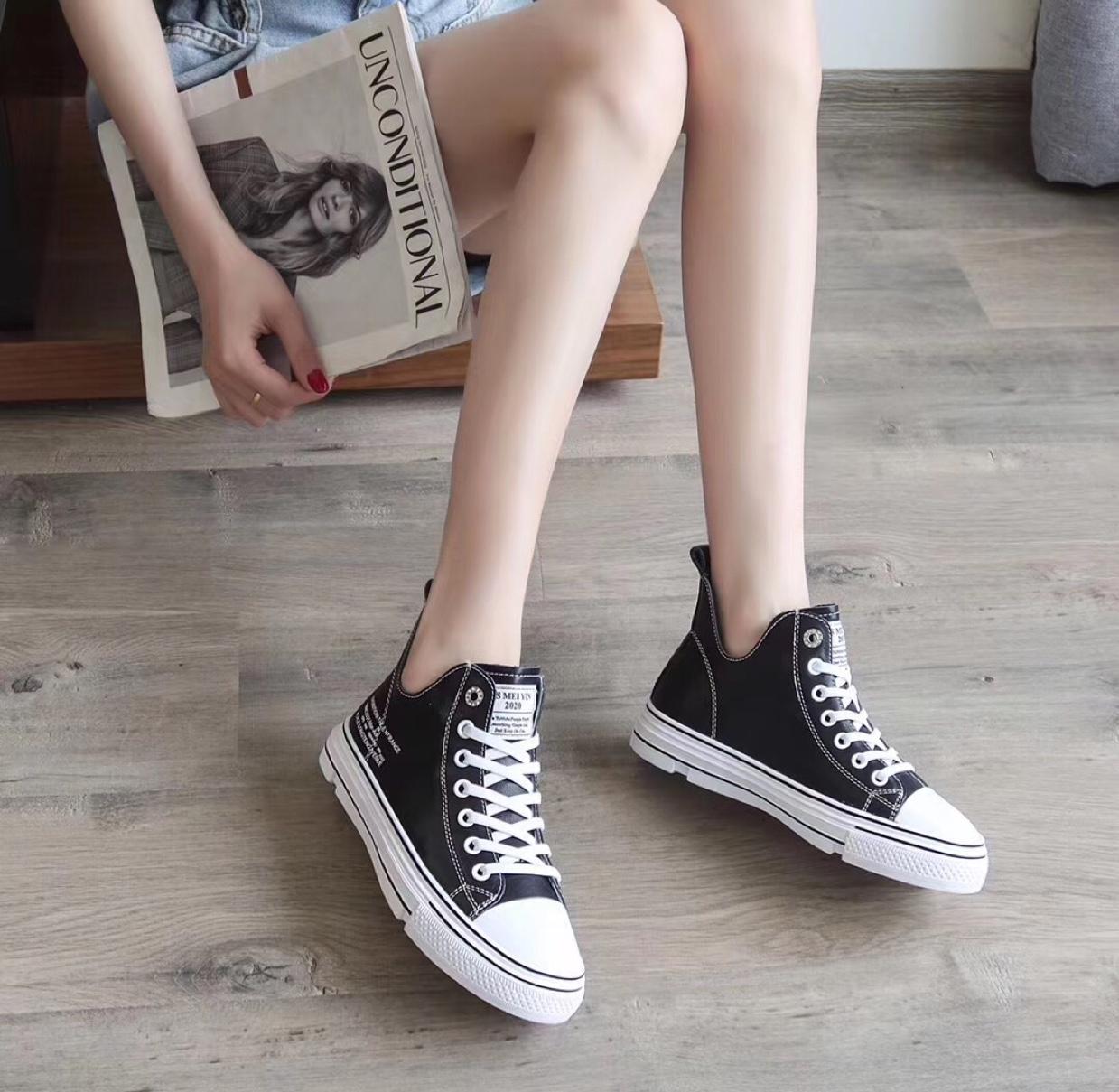 小白鞋女2020爆款秋季高帮鞋女百搭真皮韩版帆布鞋休闲运动板鞋女