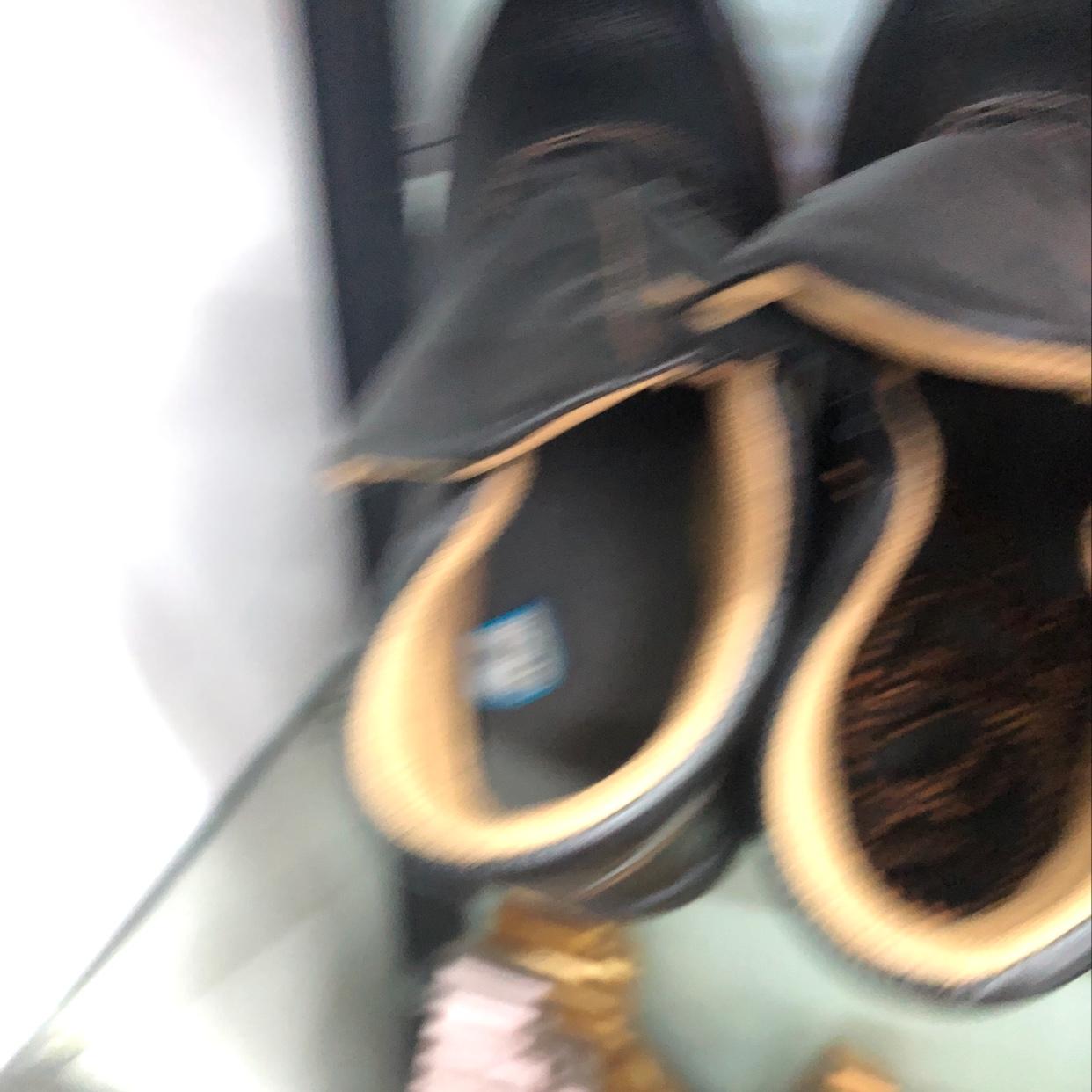 高帮劳保鞋全黑色