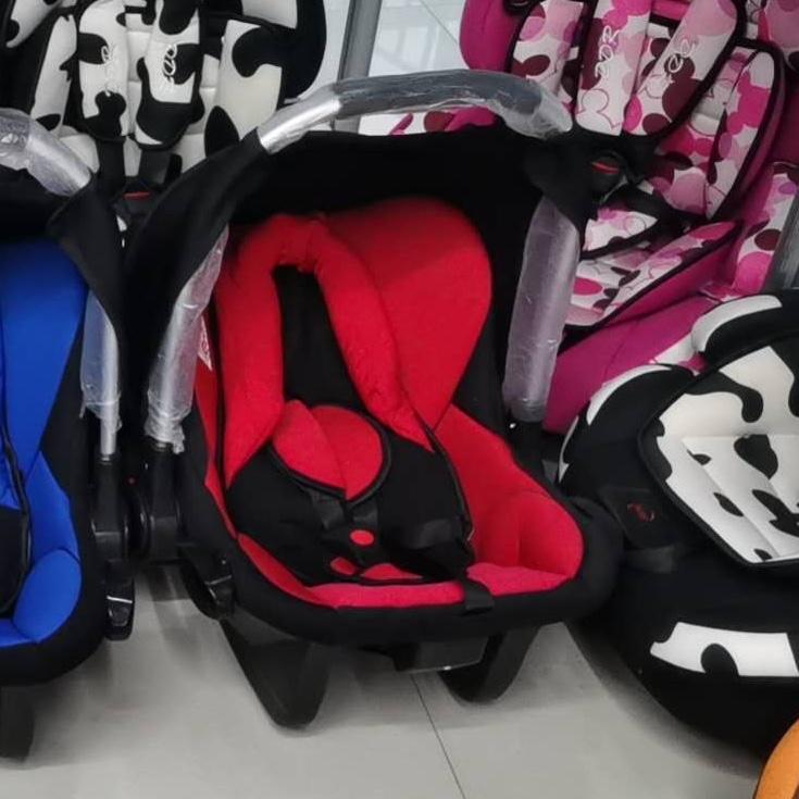 儿童安全座椅红色提篮汽车用品 / 安全/应急/自驾 / 汽车儿童安全座椅