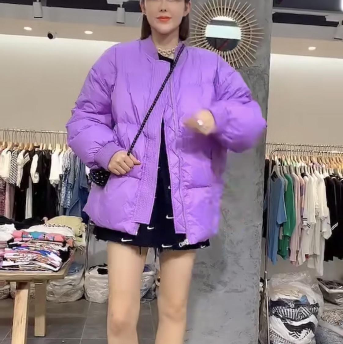 紫色短款羽绒服