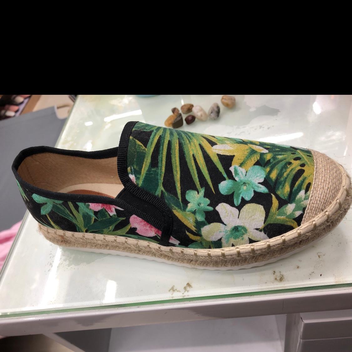 舒适沙滩鞋