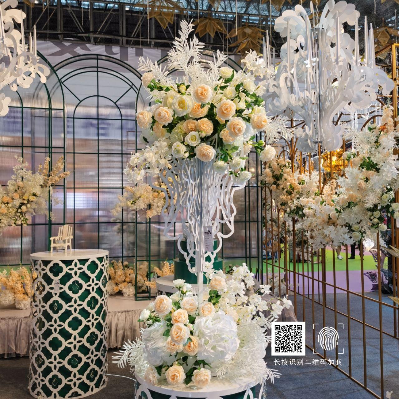 义乌海韵婚庆道具--2020年新品 韩式烛台桌花  甜品桌婚礼装饰