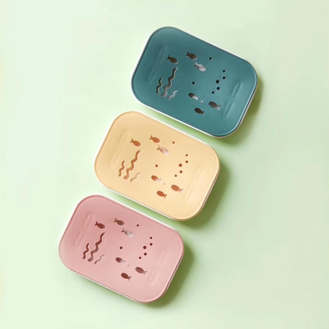 HL-1315  萌趣双层肥皂盒 产品尺寸:15*10*2.7cm  180pcs 镂空沥水图案,萌趣可爱~