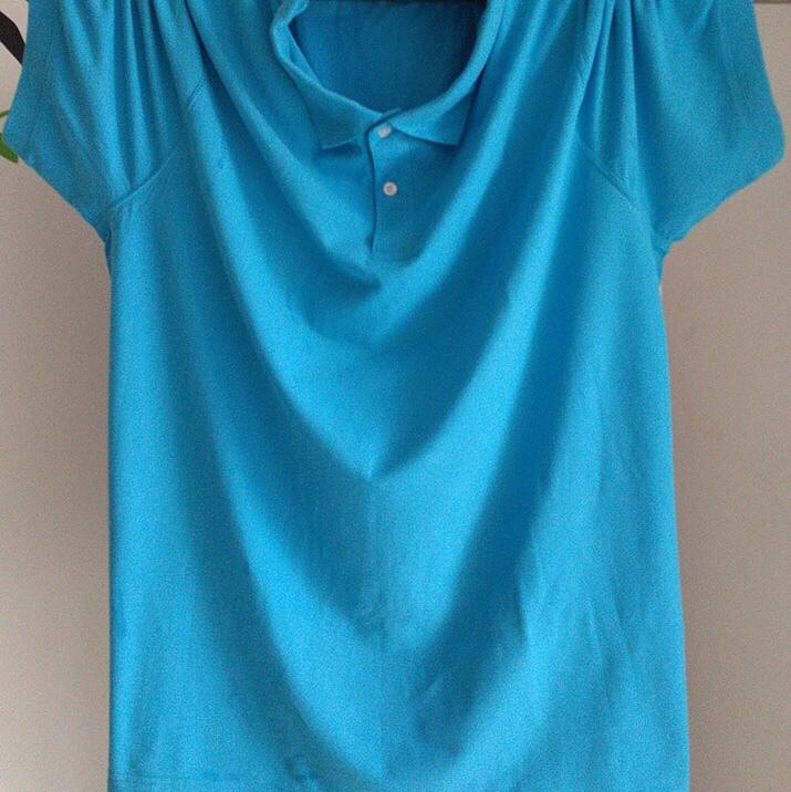 蓝色时尚短袖