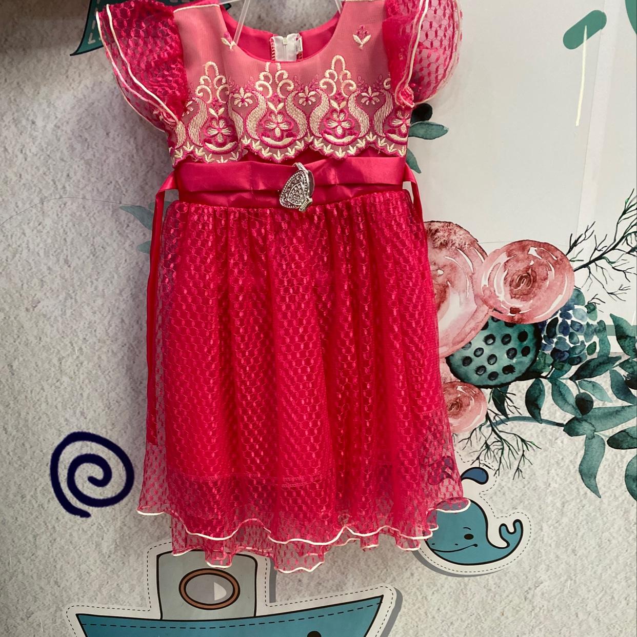 蝴蝶扣纱裙