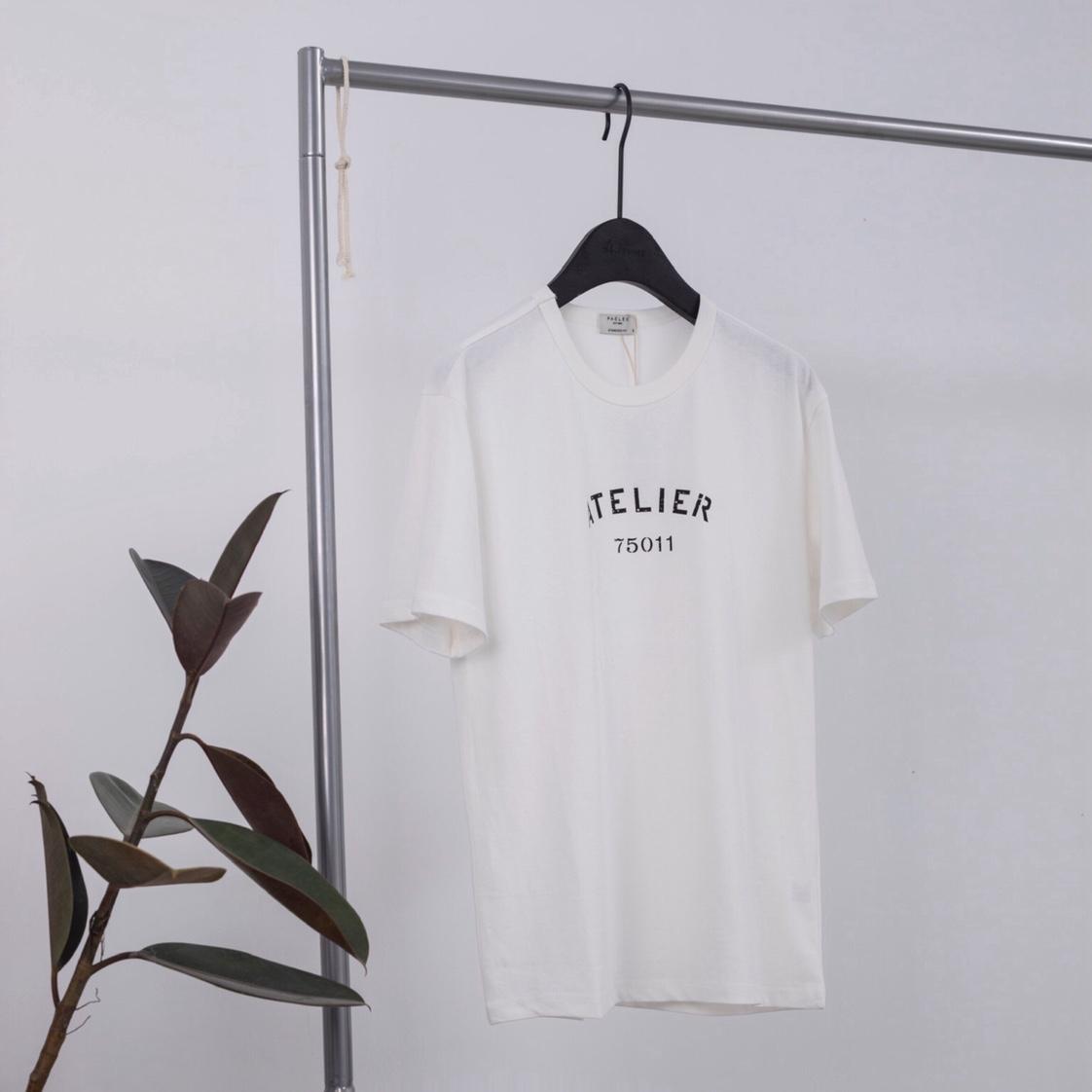 白色休闲短袖