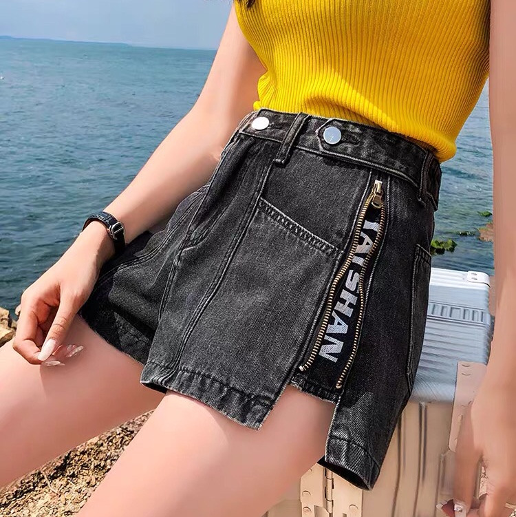 新款宽松黑色牛仔短裤女高腰