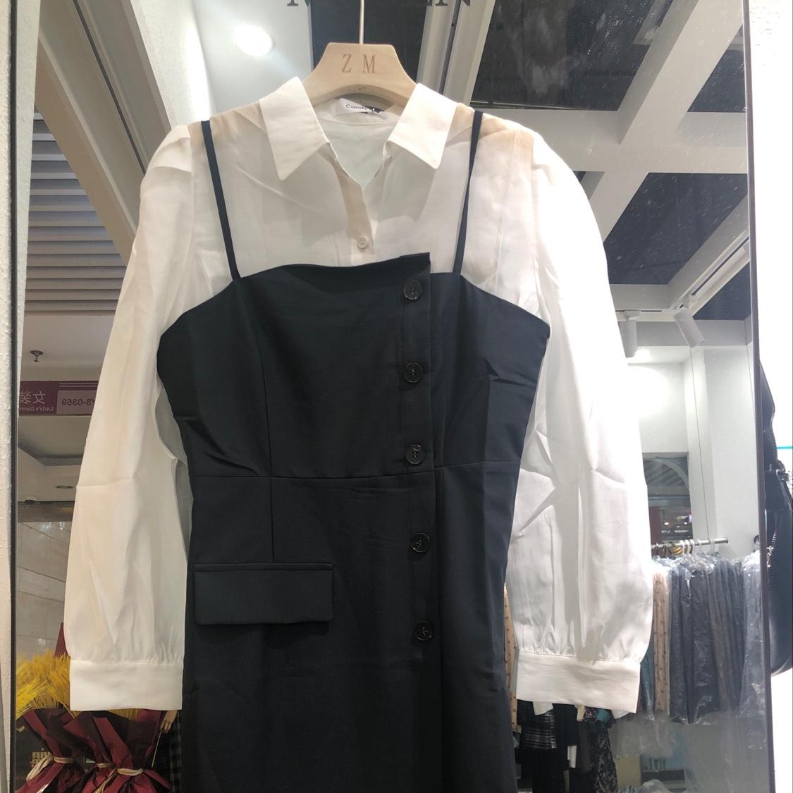 斜边单排扣两件套连衣裙
