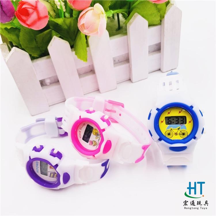 厂家直销爆款手表儿童电子手表白皮手表男孩女孩电子手表