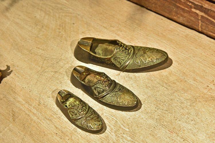 手工铜鞋形烟缸 中号