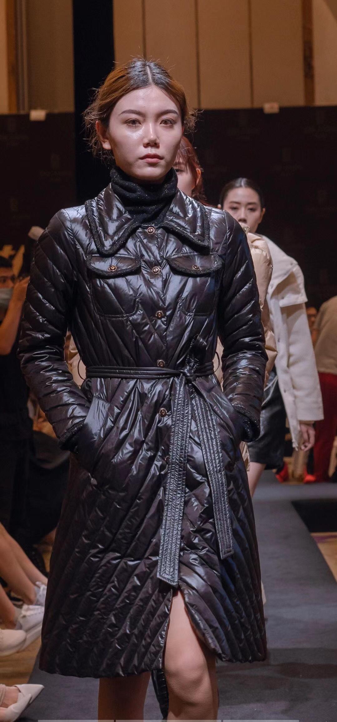 谭松韵同款Lagogo2020年冬季新款小香风轻薄中长羽绒服JCYY33XA64