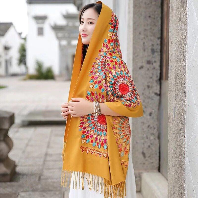 羊绒围巾黄色