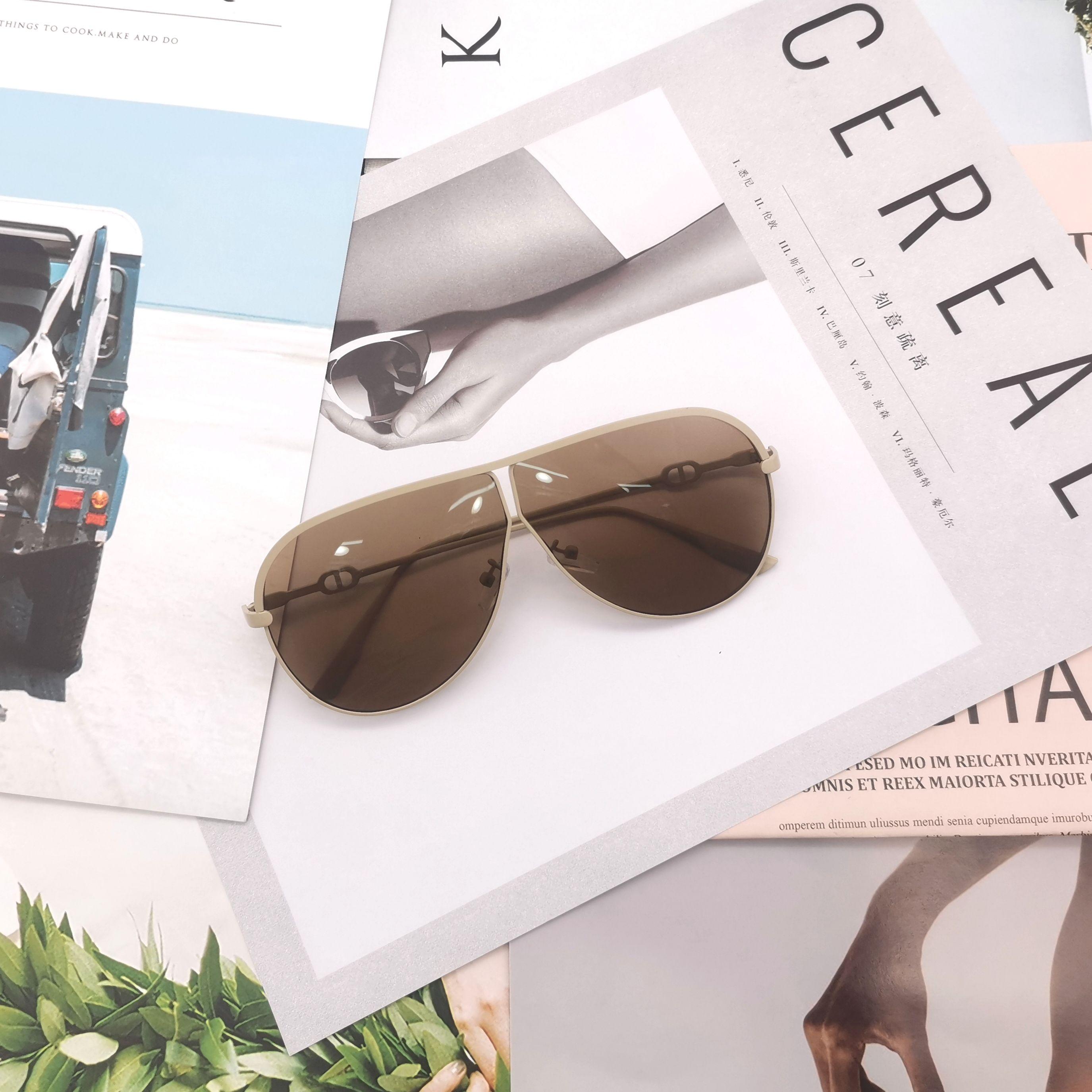 现货时尚潮流街拍金色边框平光镜墨镜防紫外线百搭遮阳明星同款