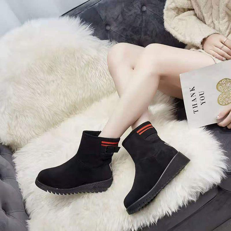 冬季百搭时马丁靴保暖加绒防滑雪地靴棉鞋女新款中筒橡胶厚底鞋