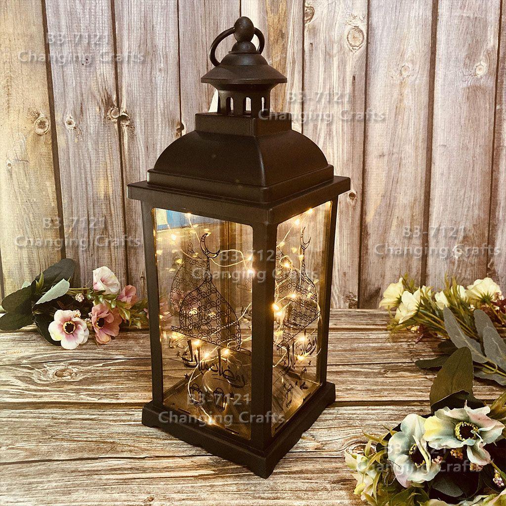 跨境批发圣诞节风灯LED电子蜡烛台灯装饰桌面摆件小夜灯仿古马灯