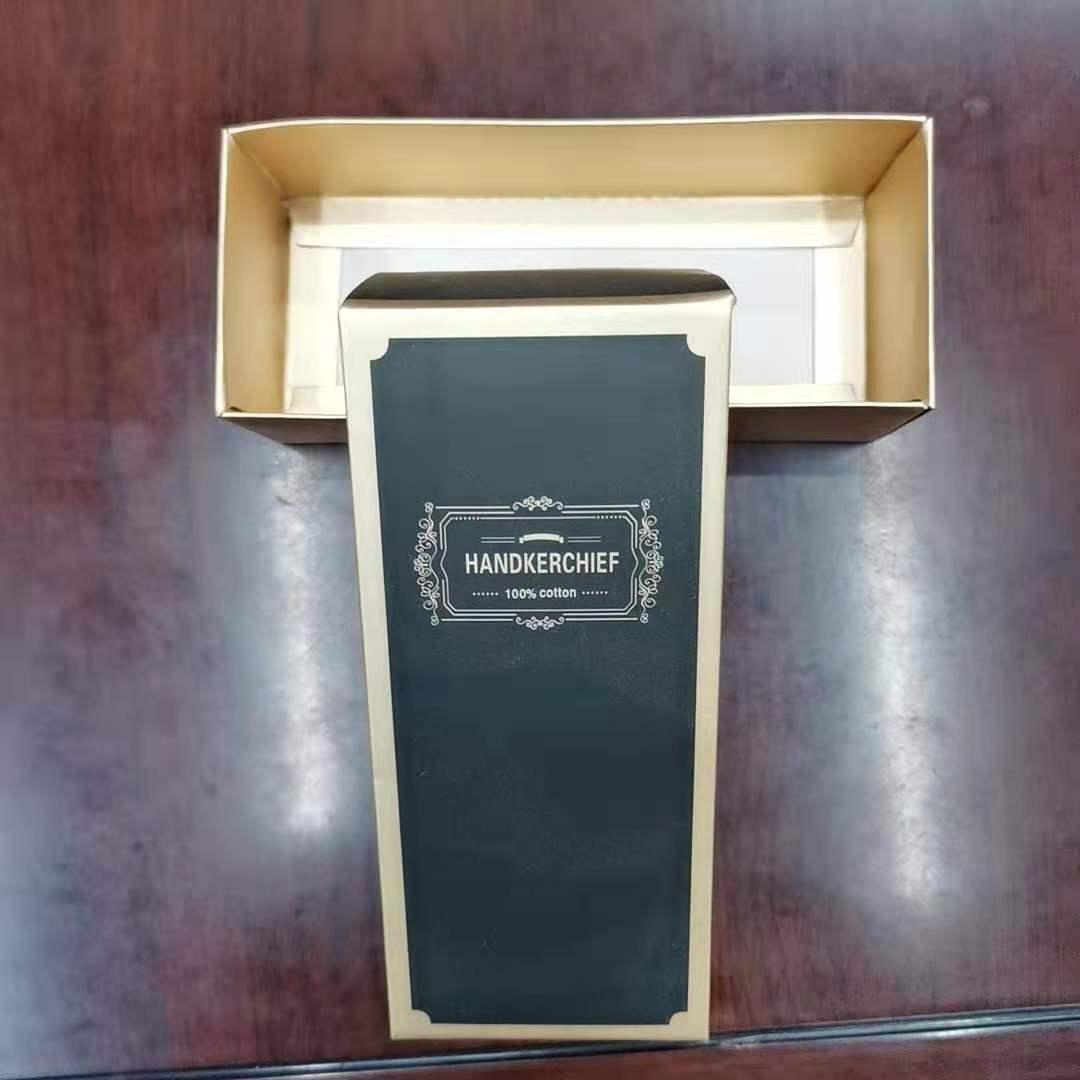 15*6.5*4cm手帕盒 加厚卡纸 烫金处理 黑底金字 低调奢华