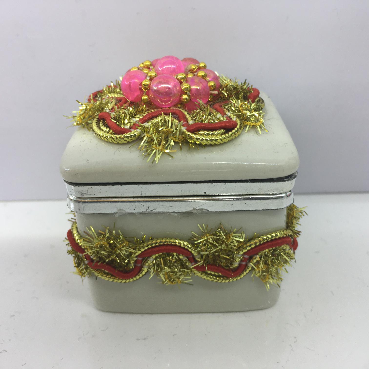 陶瓷首饰盒创意珠宝盒礼品盒。