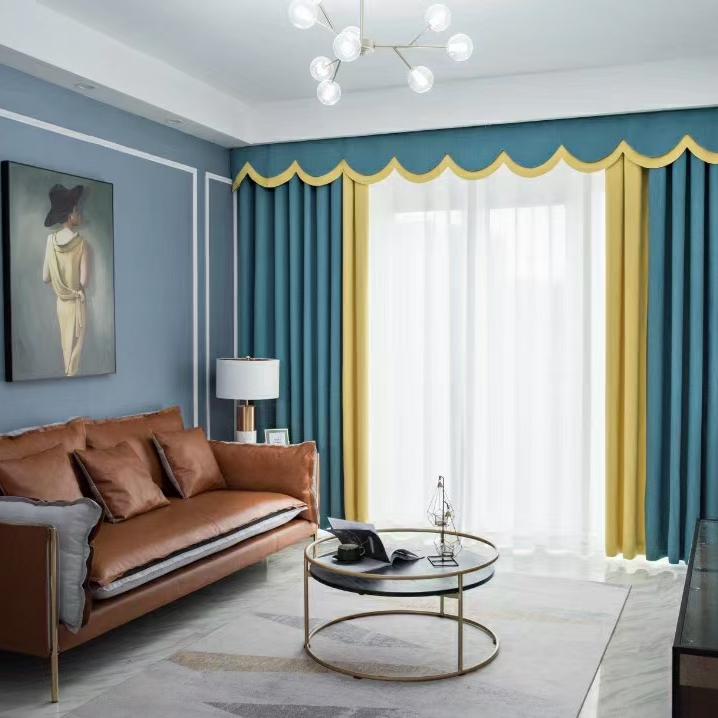 浅蓝色窗帘