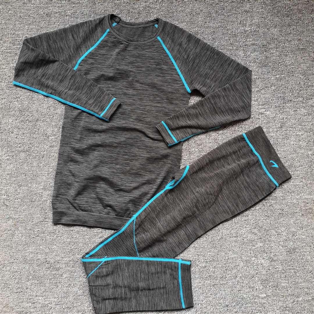 尾货女士运动套装长袖长裤