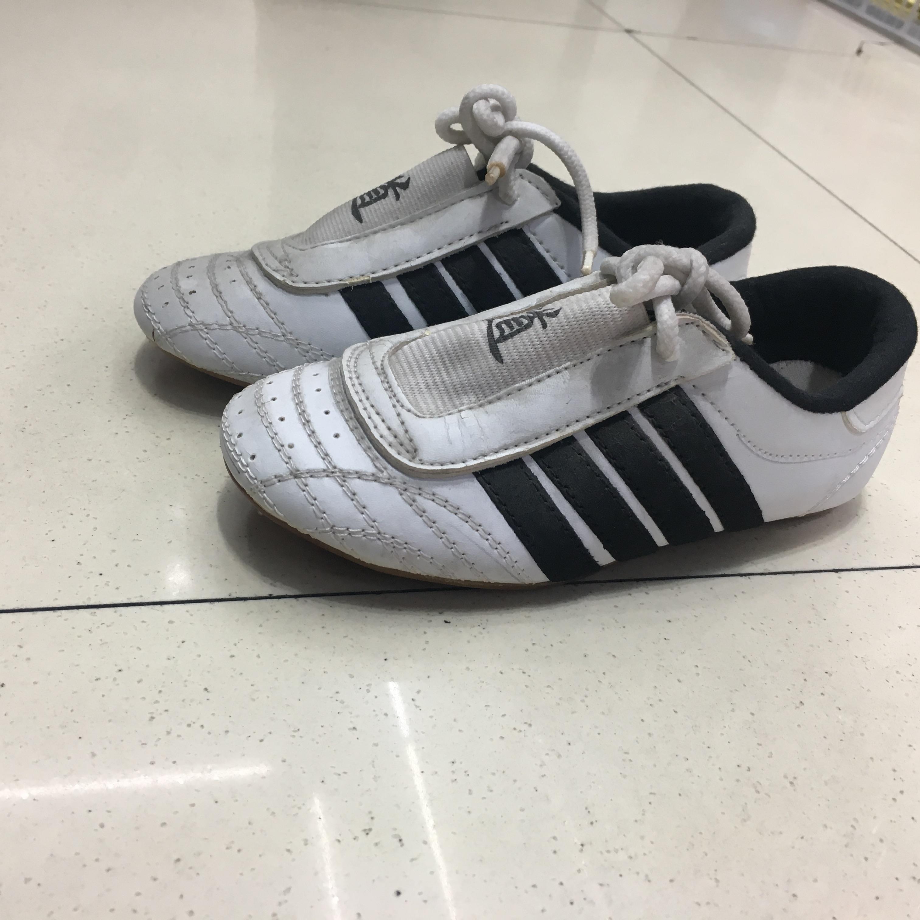 跆拳道鞋子训练软底初学道鞋武术鞋透气专业鞋39码