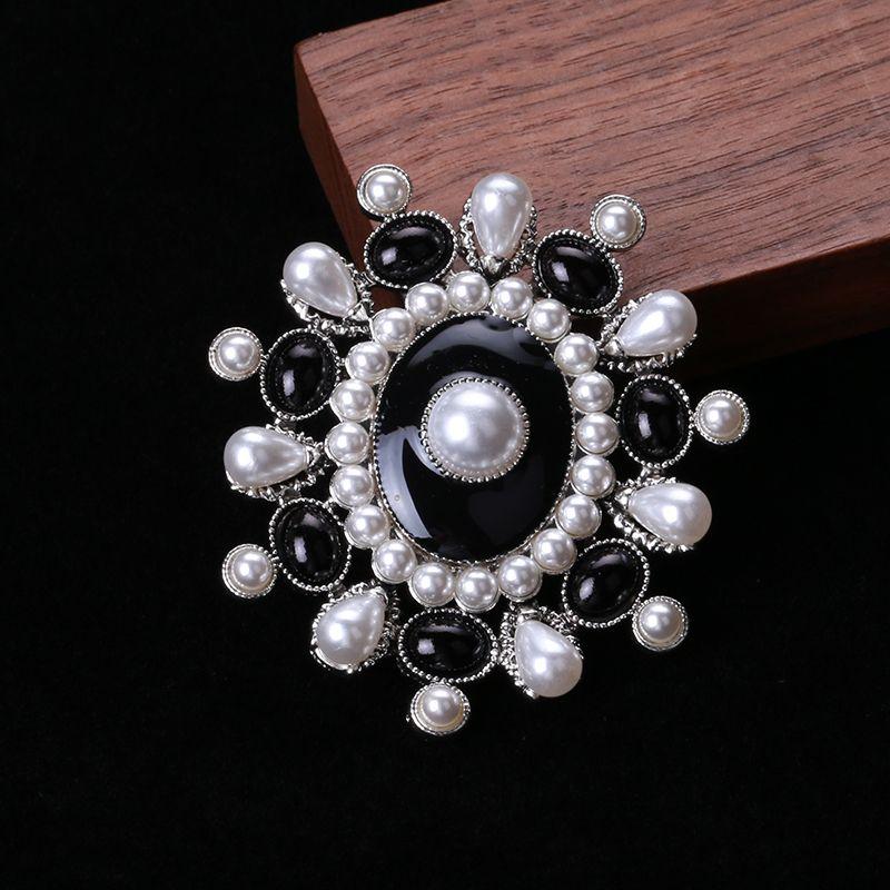 厂家直销外贸新款珍珠复古款胸针大气时尚衣服配饰