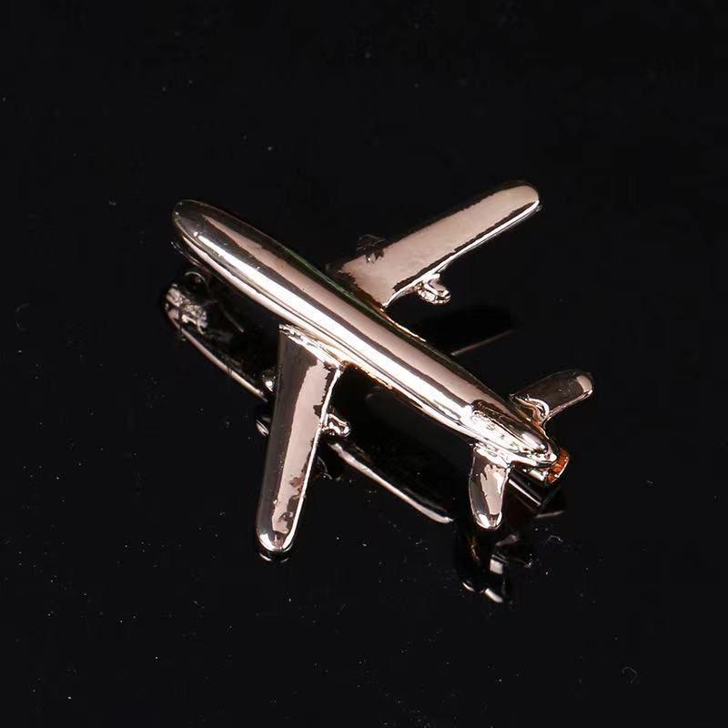 厂家直销外贸热销镀金飞机胸针简约大气衣服配饰