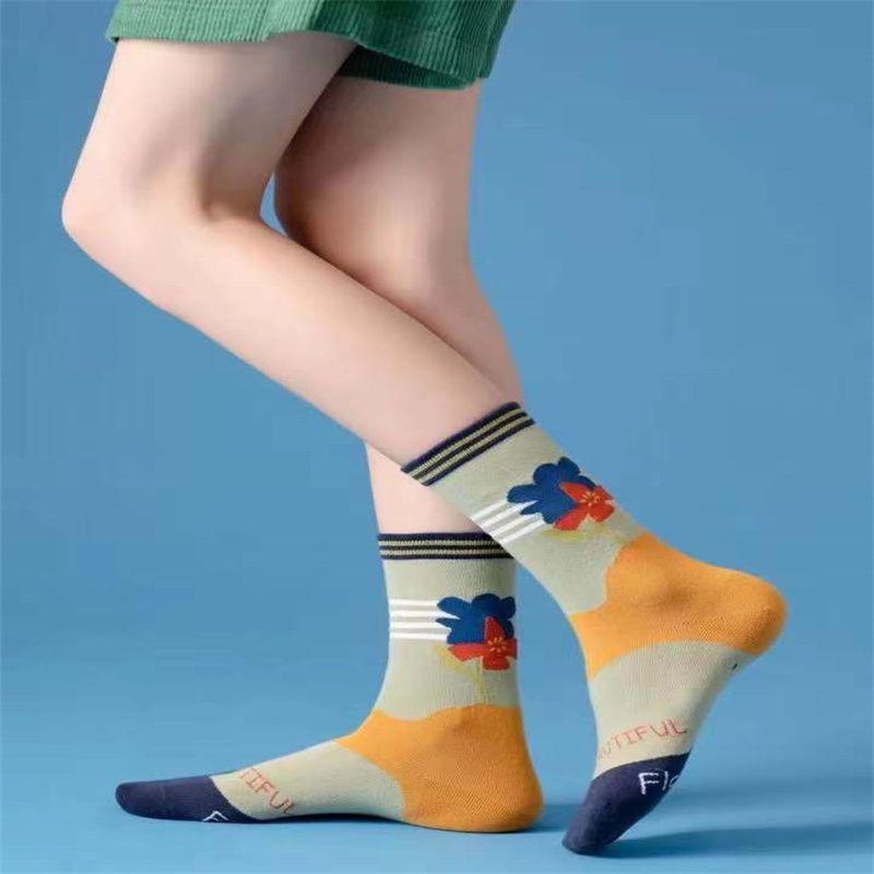 新款女士袜子中筒女棉袜 卡通小熊女袜 日系
