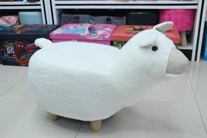 创意简约可爱卡通羊驼科技绒换鞋凳实木凳脚沙发凳试鞋凳