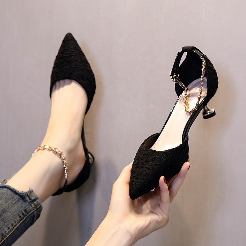 小跟单鞋女3cm百搭网红少女一字带尖头米色高跟鞋女四季鞋小清新2